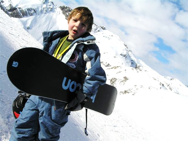 945070948030 Snowboard Gear Designed with Youth in Mind